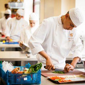 Tuyển Phụ Bếp Nhà Hàng Nhật Tại TP.HCM Năm 2017