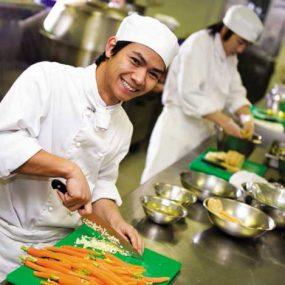 Cơ Hội Việc Làm Phụ Bếp Tại TP.HCM Tăng Cao Trong Năm 2017